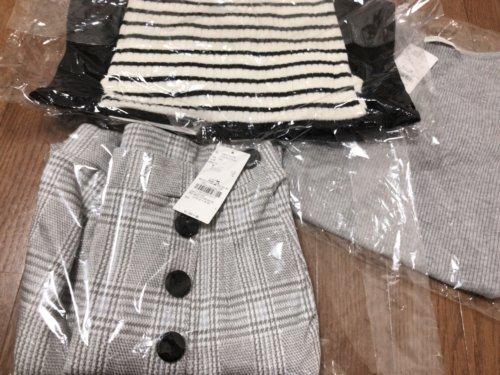 メチャカリのタグ付き新品の服