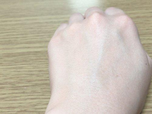 ダイレクトホワイトdeW 美白ファンデーションを塗った肌