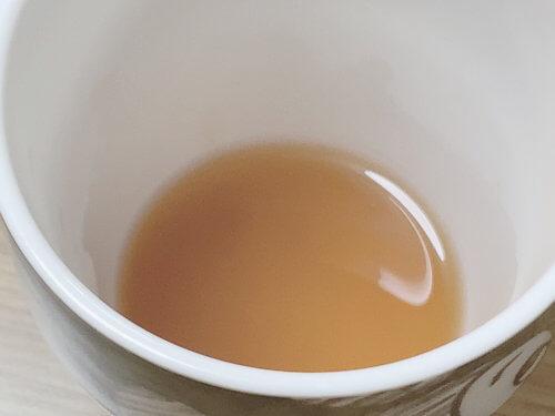 お湯で溶かしたアルポカヒートスムージー
